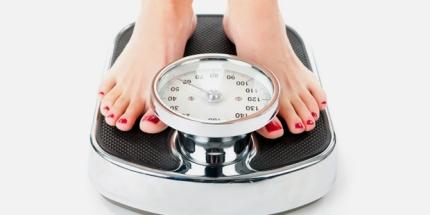 hauefig-wiegen-symptom-bei-magersucht